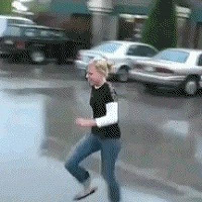 Гиф-картинка Прыжок без подготовки