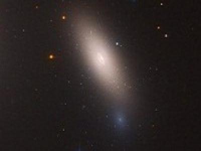 Красная и мертвая галактика NGC 1277