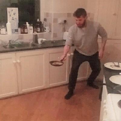 Гиф-картинка Цирк на кухне